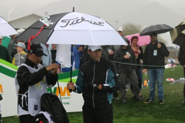 Golfer_umbrella