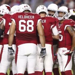 Cardinals_Huddle