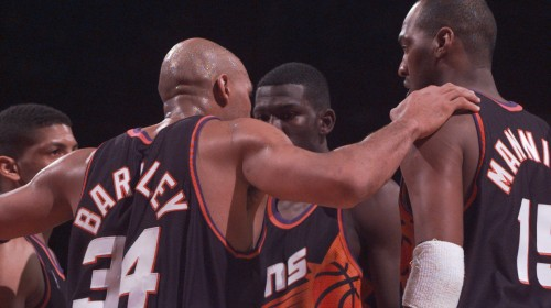 Charles Barkley confers with his Phoenix Suns teamates in a victory over the Washington Bullets.