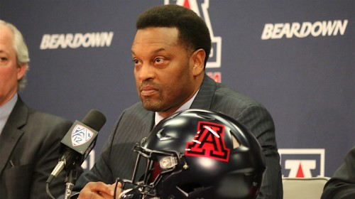 Kevin_Sumlin_stoic
